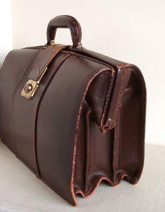 Vintage British Gladstone Doctors Briefcase Bag with Key. Dark Brown leather. £55