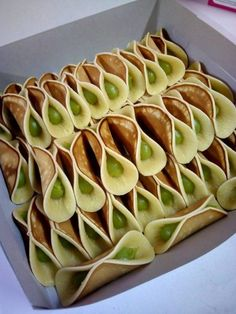 Get Chinese Food Treat Recipe Malaysian Dessert, Malaysian Food, Homemade Desserts, Dessert Recipes, Rice Cake Recipes, Sweet Soup, Asian Cake, Authentic Chinese Recipes, Chef's Choice