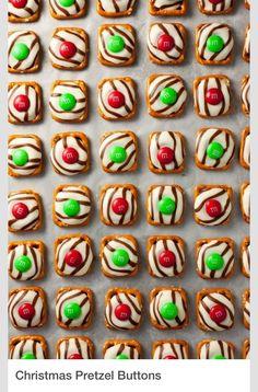 Cute Christmas Pretzels