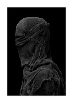 Nicholas Alan Cope & Dustin Edward Arnold … Vedas … 2011 … fashion imagery through photographing sculptural garments … twentytens … Cyberpunk, Arte Obscura, Shades Of Black, Back To Black, Color Negra, Black And White Photography, Drake, The Darkest, Fashion Photography