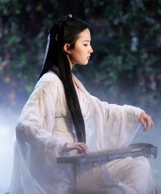 Liu Yifei as Xiaolongnu in Return of the Condor Heroes (2006) #hanfu