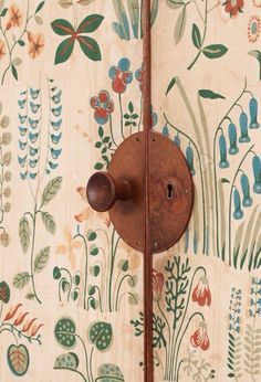 wood door and handle details