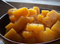 My father and my husband loves rutabaga very much and they loves to eat cornbread with it. They put rutabaga juice over cornbread. They are so delicious and tasty. Healthy Eating Recipes, Gourmet Recipes, Dinner Recipes, Cooking Recipes, Dinner Ideas, Kid Recipes, What's Cooking, Healthy Foods, Breakfast Recipes