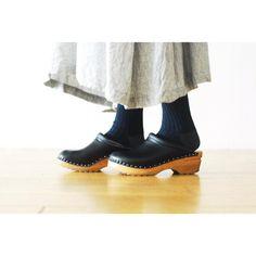 _ side tuck dress : #TOUJOURS (#トゥジュー) ¥56,160- cotton rib tights : #TOUJOURS (#トゥジュー) ¥6,264- shoes : #Troentorp (#トロエントープ) ¥22,680- _ #HACbyWONDERMOUNTAIN 広島県福山市明治町2-5 3&1ビル 2F  tel 084-983-2740 (11:00 - 18:00) JR #福山駅 より徒歩10分 駐車場 有り (建物横の砂利スペース) blog : http://hacbywondermountain.blog.so-net.ne.jp _ 本店 #WonderMountain (@wonder_mountain_irie ) _ #japan #hiroshima #福山 #福山市 #尾道 #倉敷 #鞆の浦 近く _ オンラインストア / #DigitalMountain  プロフィール欄よりリンクして頂けます。 http://www.digital-mountain.net _ 明日…