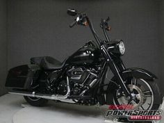Available for sale: 2017 Harley-Davidson FLHRXS ROAD KING SPECIAL W/ABS 2017 Harley-Davidson FLHRXS ROAD KING SPECIAL W/ABS Used #harleydavidsonroadkingpolice #harleydavidsonroadking2017 #harleydavidsonroadking2018 #harleydavidsonroadkinggirls #harleydavidsonroadkingclassic #harleydavidsonroadkingcustom Harley Davidson Store, Harley Davidson Motorcycles, Truck Box Covers, Road King Classic, Ebay Usa, Used Motorcycles, New Engine, California King