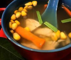 The clear chicken soup with lemon grass is a low-calorie recipe which is throat soothing and soul warming. Have it before meals and whet your appetite. Lemongrass Recipes, Lemongrass Soup, Ginger Chicken, Chicken Soup, My Favorite Food, Favorite Recipes, Clear Soup, Boiled Chicken, New Flavour