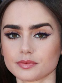 Close-up of Lily Collins at the 2017 Cannes premiere of 'Okja. Close-up of Lily Collins at the 2017 Cannes premiere of 'Okja. Lily Collins Eyebrows, Lily Collins Makeup, Lily Collins Hair, Wedding Makeup Tutorial, Wedding Makeup Tips, Maquillage Lily Collins, Eyebrow Makeup, Hair Makeup, Beauty Makeup