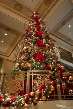 Waldorf Astoria lobby at Christmas