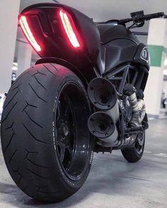 Ducati Diavel – – About Cafe Racers Moto Ducati, Ducati Motorcycles, Bobber Motorcycle, Moto Bike, Custom Motorcycles, Custom Bikes, Cars And Motorcycles, Women Motorcycle, Vintage Motorcycles