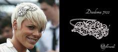 P!nk tiene un estilo propio, y así la vemos con una tiara en el pelo. Nosotros os aconsejamos esta diadema con cuidados detalles que queda preciosa en pelo rubio y castaño.