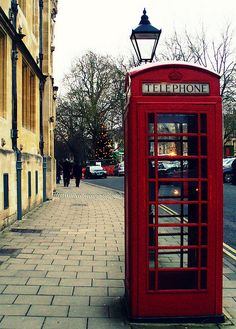 Oxford, England Have actually been to London, but must go back! Places Around The World, Oh The Places You'll Go, Travel Around The World, Around The Worlds, Oxford England, England Uk, London England, Destinations, Telephone Booth