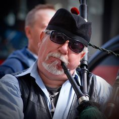 A busker playing the bagpipes in London. #capturelondon #london #londonlife #buskers #busking #streetphotography #streetlife #music #scotland #nikon #d80 #photography #portrait #sunglasses #candidportrait #candid #photooftheday