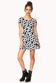 Daisy Doll Skater Dress   FOREVER 21 - 2000109905