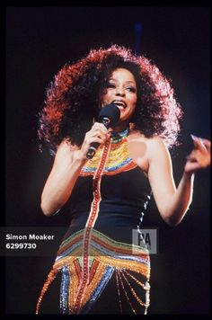 Diana Ross in concert 'In the Round' at the Birmingham NEC Arena 2017 Fall Fashion Trends, Autumn Fashion, Diana Ross Supremes, Birmingham Nec, Birmingham England, Motown, Lady And Gentlemen, Timeless Beauty, Most Beautiful