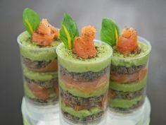 Avocado-Salmon-Push-Up-Cake-Pops Avocado-Lachs-Push-Up-Cake-Pops Mehr Cake Push Pops, Push Up Pops, Birthday Snacks, Salmon Avocado, Food Humor, Funny Food, Catering, Good Food, Food And Drink