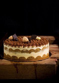 Cake Decorating Designs, Cake Decorating Techniques, Tiramisu Recipe, Tiramisu Cake, Sweet Recipes, Cake Recipes, Dessert Presentation, Russian Cakes, Oreo Cheesecake