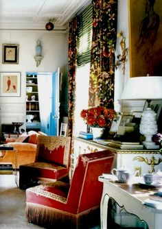 Inside Hamish Bowles's home in Paris: classic, whimsical and dreamy Parisian apartment for Vogue's Editor | Top Celebrity Homes