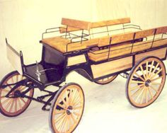8 passenger Wagonette Springs below the 5th wheel, 2 cross pieces support the 5th wheel