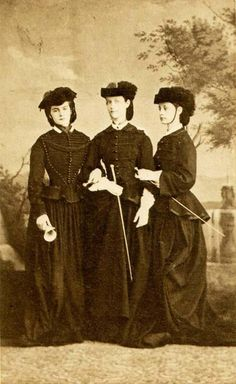 Queen Maria Sofia Borbone Wittelsbach with her sisters in law
