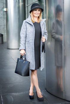 Vznikol tak jednoduchý a minimalistický outfit. Jeseň a zima je iduálnym obdobím pre voľbu doplnkov, akými sú klobúčiky, šály, šatky či rukavice. Nebojte sa ich a noste s radosťou!