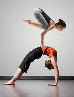 Awesome yoga pose..... but little scary???