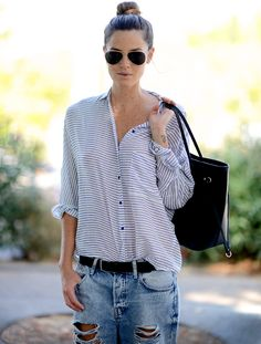 Wanted : une chemise loose à rayures horizontales (mannequin Aida Artles - blog Chic Too Chic)