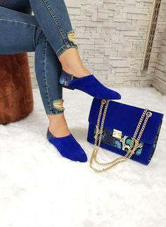 Fashion Handbags, Fashion Bags, Fashion Shoes, Luis Vuitton Shoes, Zapatillas Louis Vuitton, Hot Shoes, Shoes Heels, Stylish Outfits, Stylish Clothes