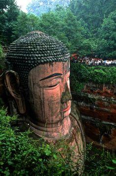 (Leshan Rock, China / Eduardo Rubio)
