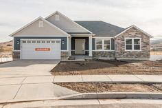 Graham is a great rambler house plan, just what your are looking for in your new Utah home. Call EDGE Homes today to arrange a visit!