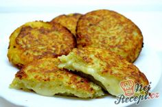 Potato pancakes stuffed with Camembert Czech Recipes, Russian Recipes, Vegetarian Breakfast Recipes Easy, Healthy Recipes, Party Finger Foods, Potato Pancakes, Special Recipes, Food To Make, Easy Meals