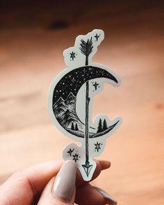 Art created by artist Jill Ilsay (jill_islay) from Scotland. Simbolos Tattoo, Piercing Tattoo, Get A Tattoo, Tattoo Drawings, Piercings, Mini Tattoos, Body Art Tattoos, New Tattoos, Small Tattoos