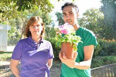 Un estudiante de Agrónomos analiza cómo la supresión de genes en plantas altera su reloj biológico