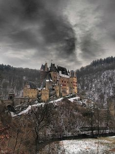 BURG ELTZ : Un castillo medieval de Alemania que parece sacado de un cuento (FOTOS) | Comer, Viajar, Amar
