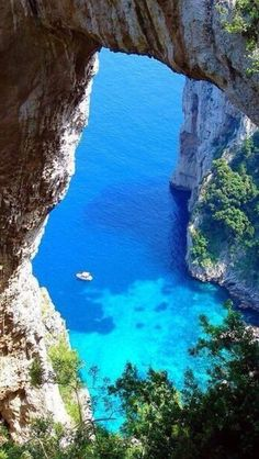 Capri, Italy    PUT THIS ON MY BUCKET LIST