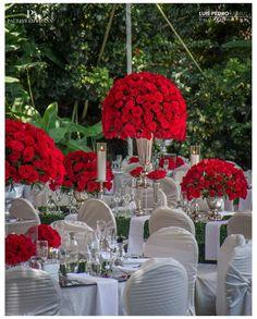 Red roses  #luispedrogramajophotography #wedinguatemala #wedding #weddingday #destinationweddingphotographer #bride #destination #destinationwedding #bridebook #weddingdecor #weddingphoto #weddingideas #weddings #weddingphotography #weddingphotographer #weddingdress #love #forever #wed #picoftheday #photooftheday #weddingideas_brides #weddingawards #weddinginspiration #HuffPostIDo #theweddinglegends #marriage #perhapsyouneedalittleguatemala #instawedding #gelinlik