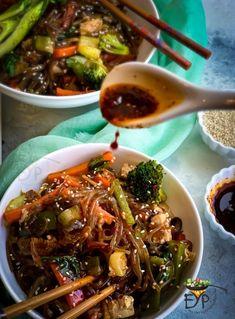 Korean Sweet Potato Noodles, Korean Glass Noodles, Healthy Cooking, Healthy Eating, Healthy Recipes, Keep Recipe, Asian Recipes, Ethnic Recipes, Noodle Recipes