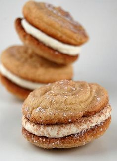 Tiramisu Sandwich Cookies from Culinary Concoctions by Peabody - Take this decadent dessert recipe favorite and fall in love with it all over again. in cookie form! Cookie Desserts, Just Desserts, Cookie Recipes, Delicious Desserts, Dessert Recipes, Yummy Food, Cocoa Cookies, Yummy Cookies, Cupcake Cookies