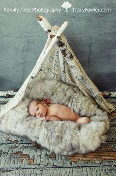 Family Tree Photography | Newborn Photography | teepee | www.tracyfowler.com #badsassbackdrops