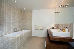 stor speil og badekar