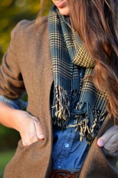 Tweed and tartan Moda Country, Fashion Mode, Look Fashion, Fall Fashion, Winter Mode, Casual Fall, Preppy Casual, Smart Casual, Casual Chic