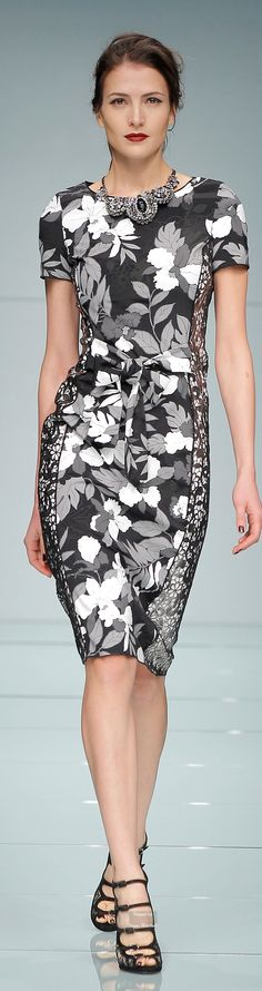 Roccobarocco ~ Fall Short Sleeve Floral Midi Dress, Black+Grey+White 2015