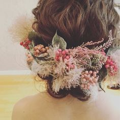 いいね!524件、コメント2件 ― acoさん(@aco_wedding.lilla)のInstagramアカウント: 「smoketree&pepperberry 大好きな作品 ただいま欠品中です #ウェディング#wedding#ウェディングヘア#ブライダル #bridal #ブライダルヘア…」