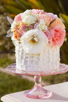 Single Tiered White Cake with Amazing Floral Bouquet