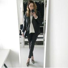 Fashion blogger, Moderosa, wearing Baukjen Liv Leather Leggings http://www.baukjen.com/liv-leather-leggings-caviar-black.htm