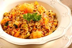 Turmeric Roasted Cauliflower with Quinoa: Detox with this vegan salad from Dr. Alejandro Junger!