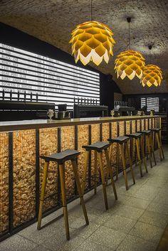 Фото из статьи: Пивной минимализм: бар, который архитектор сделал для себя