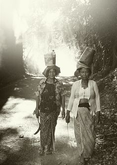 Bali women.....