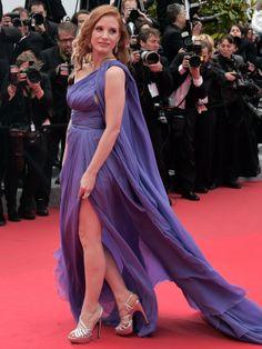 """Jessica Chastain  A atriz usou vestido Elie Saab, sapatos Roger Vivier e joias Tesiro para ir à première de """"Foxcatcher"""". AFP - AFP"""