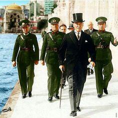 Klas polıtıkacı Republic Of Turkey, Turkish Army, The Legend Of Heroes, The Turk, Turkish Fashion, Great Leaders, Ottoman Empire, Creative Portraits, Held