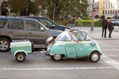 going on a little trip Strange Cars, Weird Cars, My Dream Car, Dream Cars, Cute Cars, Cute Small Cars, Best Small Cars, Bmw Isetta, Microcar